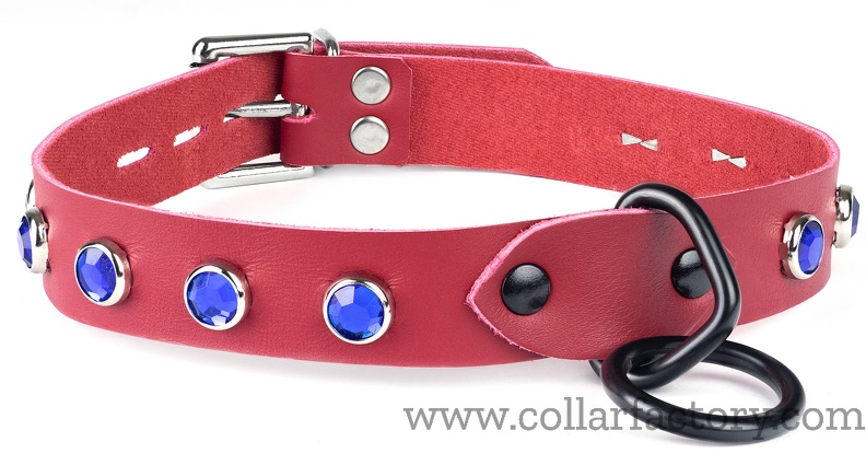 Simple red collar