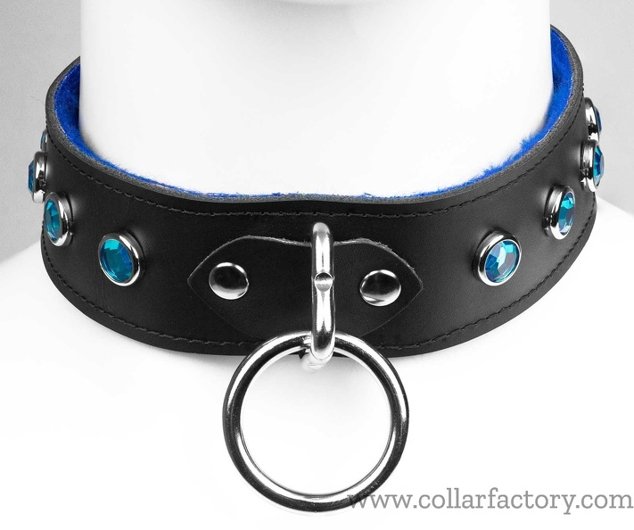 Black collar with aquamarine gems
